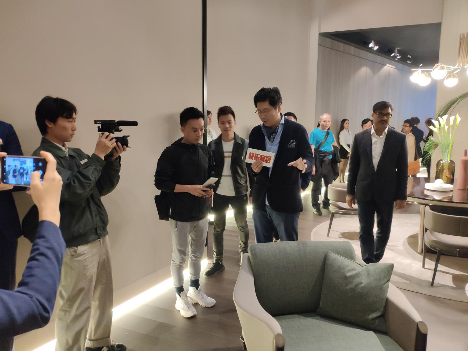 J&A杰恩设计董事长、总设计师姜峰先生接受媒体采访